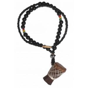 Pendentif Djembé en bois et cuir avec collier de perles