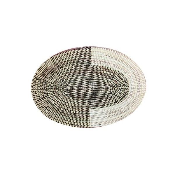 set de table sous plat ovale en paille de brousse blanc et noir terang 39 art. Black Bedroom Furniture Sets. Home Design Ideas